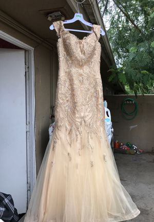 Gold Prom Dress ✨ for Sale in Riverside, CA