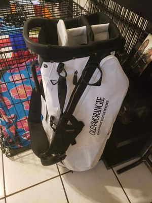 New Taylor Made golf bag. It's white and has a sponsor of Glenmorangie Scotch Whiskey on it. for Sale in Miami, FL