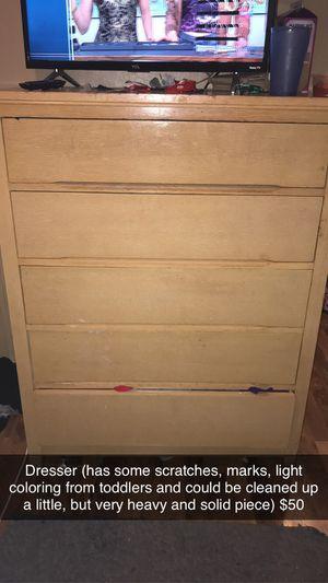 Dresser for Sale in Waterloo, IA