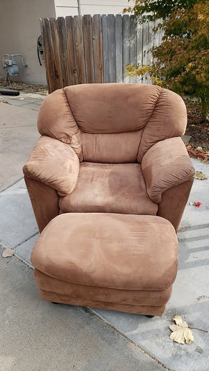 Chair and ottoman for Sale in Fresno, CA
