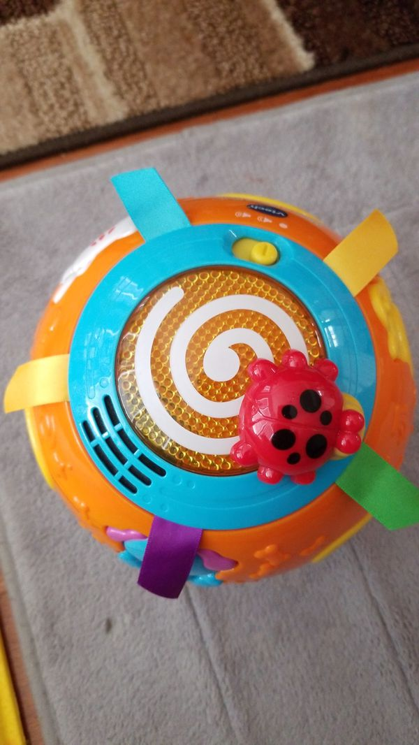 Kid toy Vtech move and crawl ball used like new