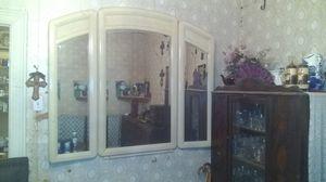 Wall mount mirror for Sale in San Antonio, TX