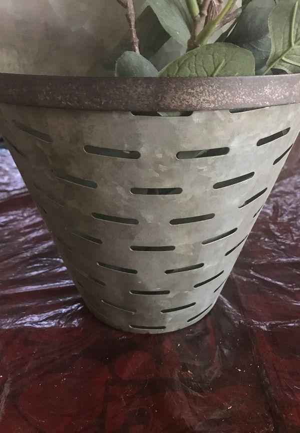 Olive bucket farmhouse