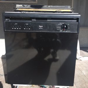 FREE Whirlpool Dishwasher for Sale in Henderson, NV
