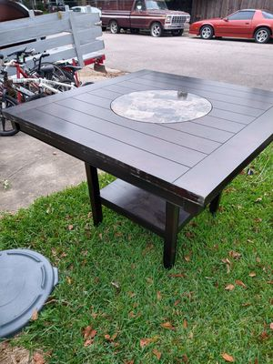 Kitchen table w/ lazy susan and 4 chairs for Sale in Baytown, TX