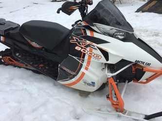 Arctic Cat Snowmobile XF 8000 Limited for Sale in Pound Ridge,  NY