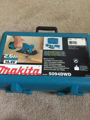 "Makita 14.4 V 3 3/8"" cordless circular saw. for Sale in Alexandria, VA"