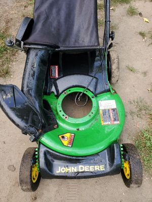 Rear wheel drive self-propelled john deere lawnmower body (just needs a engine) for Sale in Woonsocket, RI