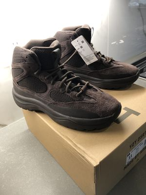 Yeezy Boots Adidas Size 11 for Sale in Maple Valley, WA