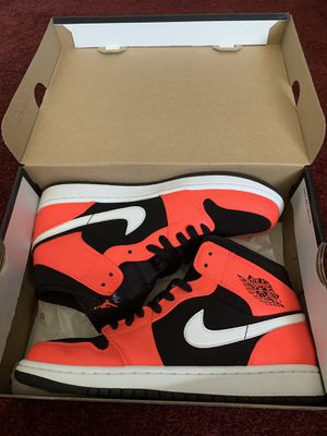 Jordan 1 Mid Size 9 for Sale in Spring Valley, CA