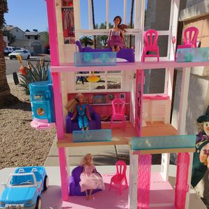 Barbie House And Accessories for Sale in Glendale, AZ