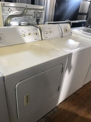 White top Load washer and dryer for Sale in Brooklyn, OH