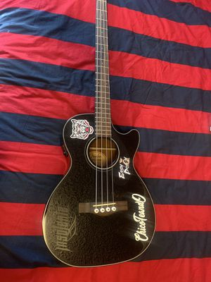 Fender acoustic bass/ Bajoloche for Sale in Raleigh, NC