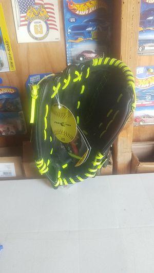 "Fastpitch Wilson glove, 12.5"" for Sale in Whittier, CA"
