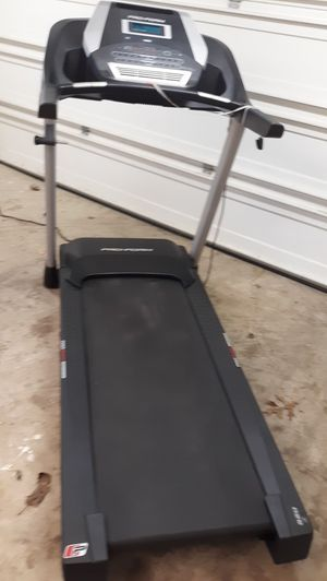 TREADMILL for parts or fixed. for Sale in Woodbridge, VA