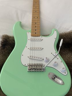 Fender Stratocaster Made In Mexico MIM Maple Neck for Sale in Burbank,  CA