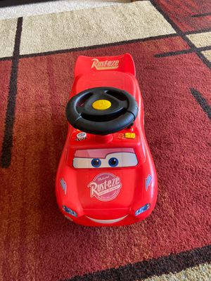 Lightening McQueen ride on car for toddlers for Sale in Gaithersburg, MD