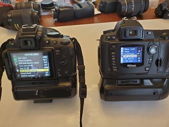 Best Offer! Nikon cameras. 5 lenses, 2 flashes and more... for Sale in Everett,  WA