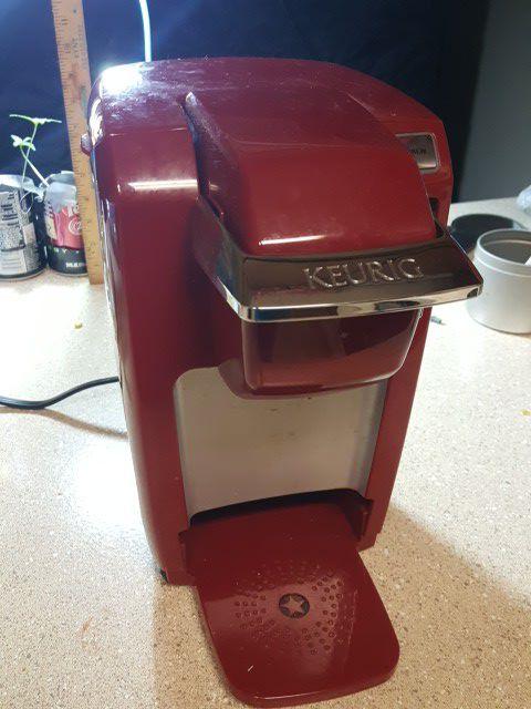 Like new Keurig K10 Mini Plus Brewing System, Red