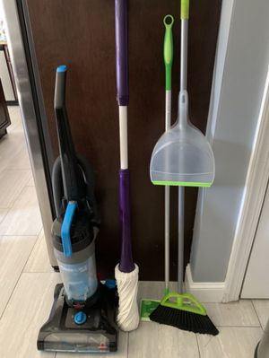 Bissell Powerforce Vacuum, Joy Mangano Mop, Swiffer Sweeper, and Broom/Dust Pan Set for Sale in Staten Island, NY