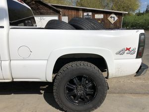 Chevy Silverado 6 1/2 ft bed parts GMC Sierra truck bed for Sale in Modesto, CA