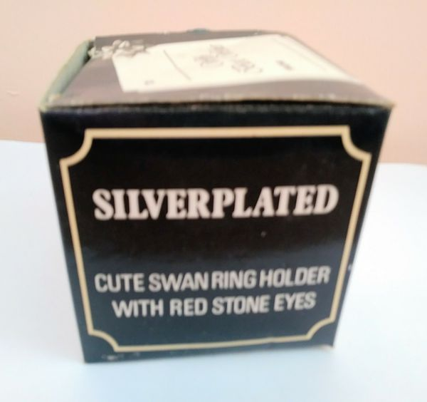 Vintage Silverplated Cute Swan Ring Holder red stone eyes 3,5""