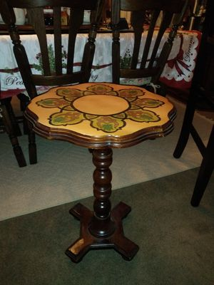 Beautiful small Pier 1 Accent Table/Plant Stand for Sale in Thornton, CO