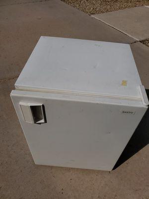 Small fridge for Sale in Goodyear, AZ