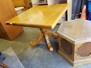 Beautiful Solid Wood Kitchen Table 35 x 35 x 30h for Sale in Portland, OR