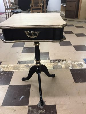 End Table for Sale in Wichita, KS