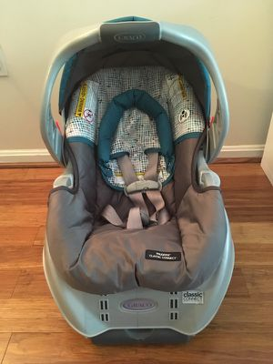Graco infant car seat with base for Sale in Fairfax, VA