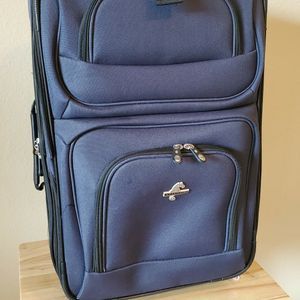 Atlantic Brand Expandable Luggage Bag for Sale in Richmond, VA