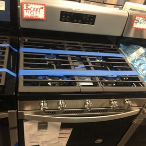 NEW SCRATCH AND DENT WHIRLPOOL STAINLESS STEEL 5 BURNERS GAS STOVE WITH WARRANTY for Sale in Laurel, MD