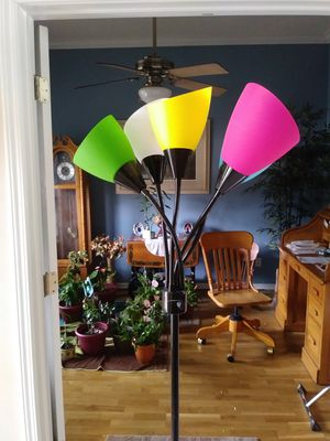 Colorful floor lamp w 5 different colors!! for Sale in Jacksonville, FL