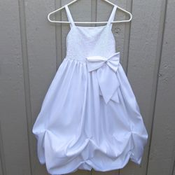 Satin taffeta flower girl dress Size 7 for Sale in Vancouver,  WA