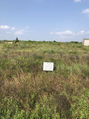 Terreno poco más de 3/4 de acre for Sale in Niederwald, TX