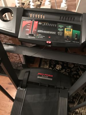 Treadmill Pro Form Power incline cup holder fold away cheap for Sale in Girard, PA