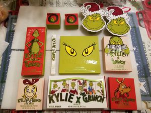 Complete Grinch collection bundle for Sale in Palmdale, CA