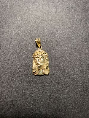 """New arrivals! 10k real solid gold pendant 1.25"""" 1.5gr for Sale in Aurora, CO"""