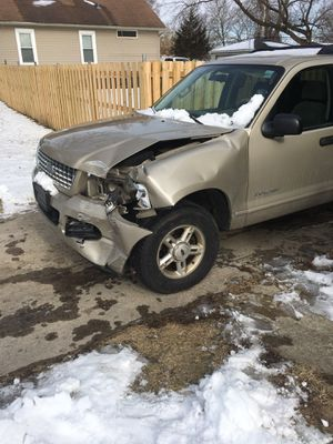 2005 Ford Explorer runs good sold as is just needs body work. for Sale in Aurora, IL
