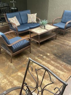 Beautiful Four piece wicker patio set in excellent condition $385 Firmon the price for Sale in Fresno,  CA
