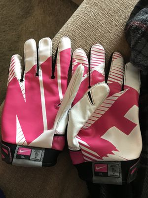 Nike Breast Cancer Awareness Football Gloves for Sale in Apex, NC