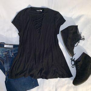 Cute Earthbound black crisscross neck short sleeve top sz S women for Sale in Tacoma, WA
