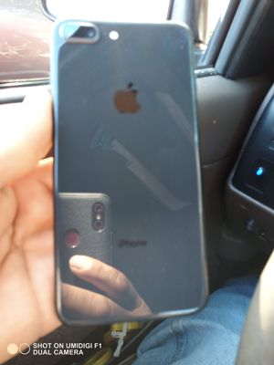 iPhone 8 plus for Cricket and at&t for Sale in Lynwood, CA
