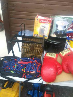 EVERLAST BOXING GLOVES #12 for Sale in Wilton Manors, FL
