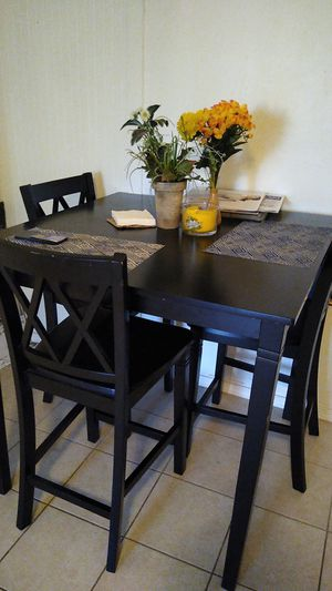 Kitchen table for Sale in Bell Gardens, CA