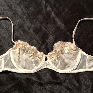 Victories Secret unlined bra size 34b for Sale in Payson, AZ