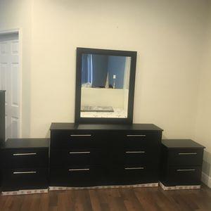 New mirror dresser and nightstands for Sale in Boynton Beach, FL