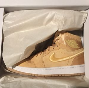 Brand New Peach Jordans in box for Sale in Portland, OR