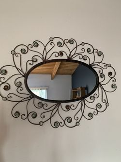 Oval decorative mirror for Sale in Los Angeles,  CA